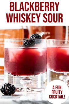 Blackberry Whiskey Sour - the perfect bourbon cocktail recipe! Fun and fruity, it is the best whiskey sour! Amaretto Drinks, Liquor Drinks, Bourbon Cocktails, Whiskey Cocktails, Cocktail Drinks, Alcoholic Drinks, Whiskey Sour, Bourbon Sour, Whiskey Recipes