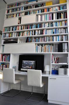 Modern wandmeubel met bureau