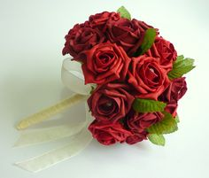 Red and burgundy leaves brides bouquet