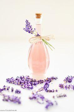 Herrlich erfrischender Sommerdrink mit Lavendel und Zitrone!