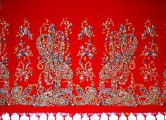 The Norwich Red was first referred to as early as and worsted textiles… Kashmiri Shawls, 18th Century Fashion, Natural Dyeing, Fantasy Setting, Regency Era, Textile Fabrics, Lace Embroidery, Hyde Park, Vintage Textiles