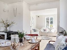 Summer at this charming Swedish cottage? (Stadshem).