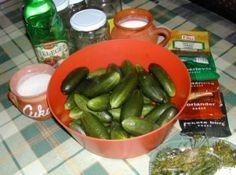 Csemegeuborka - Hozzávalók Pickles, Cucumber, Food, Essen, Meals, Pickle, Yemek, Zucchini, Eten