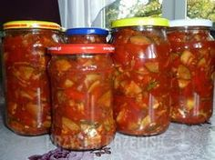 Sweet and sour sauce with zucchini and peppers - in jars - Sweet and sour sauce with sugar . Czech Recipes, Polish Recipes, Fermented Foods, Canning Recipes, Matcha, Food And Drink, Yummy Food, Jar, Healthy Recipes