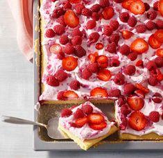 Raspberry sour cream cake from a tin recipe - Schokokuchen Saftiger Strawberry Shortcake Skewers, Flora Intestinal, Make Money Now, Cream Cake, Delicious Desserts, Raspberry, Breakfast, Food, Sweet Bakery