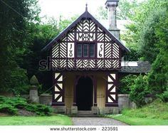 stock-photo-an-old-cottage-in-the-woods-223591.jpg (450×358)