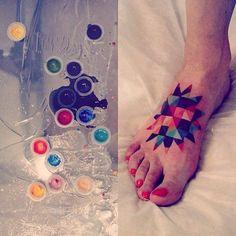 Geometric Star Tattoo By Sasha Unisex Mini Tattoos, Trendy Tattoos, Cool Tattoos, Tatoos, Small Foot Tattoos, Foot Tattoos For Women, Type Tattoo, Get A Tattoo, Sasha Tattoo