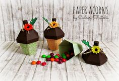 Cadouri Fistichii: Toamnă pastel Paper Ornaments, Christmas Ornaments, Acorn, Diy And Crafts, Pastel, Holiday Decor, Events, Home Decor, Xmas Ornaments