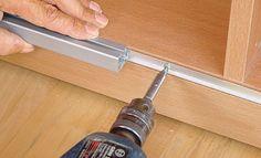 DIY Schiebetüren für den Dachschrägen Schrank
