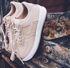 Nude Nike