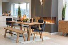 Sete og rygg i stoff Darin mørkegrå. Sideflater på stol sete og rygg i lysegrå. Stockholm, Dining Bench, Black And White, Interior Design, Architecture, Kitchen, Furniture, Home Decor, Tips