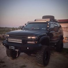 Off-road LED Lighting: In the same LED light bar, why some LEDs on while . Gm Trucks, Lifted Trucks, Chevy Trucks, Pickup Trucks, Chevy Tahoe Z71, 4x4, Bug Out Vehicle, Lifted Chevy, Suv Cars