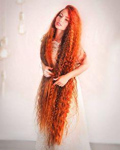 Появились пара фоточек с летней фотосессии #волосы#длинныеволосы#рыжая#рыжиеволосы #косадопояса #волосыпоколено #hair#longhair #hairling#haircolor #hairstyles #rapunzel #рапунцель#hairdressermagic #butifulhair#verylonghair #verylong #fotostudio #foto#кудри#гафре#нашпильку#прическа#прическанадлинныеволосы #прическаспб #хна#фото#модель#фотосессия#спб