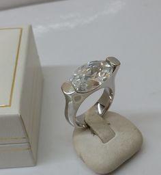 Vintage Ringe - Ring 925er Silber mit großem Kristallstein SR608 - ein Designerstück von Atelier-Regina bei DaWanda