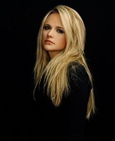 Miranda Lambert (: beautiful she is my Idol Miranda Lambert News, Miranda Lambert Photos, Country Music Artists, Country Singers, Divas, Female Singers, Woman Crush, Belle Photo, Girl Crushes