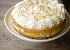Maple cheesecake - Lose the whipped cream, sprinkle with candied bacon and this would be perfect!