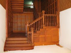 Late Victorian English Manor Dollhouse: Miniature from Scratch: Grand Staircase Beacon Hill Dollhouse, Haunted Dollhouse, Diy Dollhouse, Dollhouse Miniatures, Dollhouse Furniture, Victorian Stairs, Victorian Homes, Antique Dollhouse, Modern Dollhouse