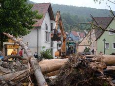 In Braunsbach ist das erste Ausmaß nach dem Unwetter schon zu sehen.  Foto: dpa