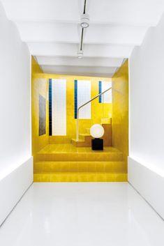 gen-z yellow interior trend 2019 Interior Design Boards, Interior Design Magazine, Office Interior Design, Design Furniture, Interior Design Inspiration, Modern Interior, Interior Styling, Interior Architecture, Interior Decorating