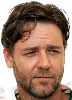 "Russell Crowe el padre de ""Superman"""