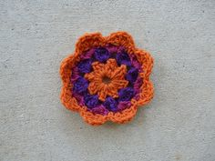 Square 20 crochet flower center, crochet bug, 101 crochet squares, crochet flower, jean leinhauser