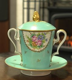 Lovely Limoges trembleuse (named for the depth of the saucer, which helps anybody shaking to not lose the cup). Antique China, Vintage China, Teapots And Cups, Teacups, Limoges China, China Tea Cups, Chocolate Cups, My Cup Of Tea, Vintage Dishes