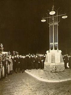 De onthulling van het annexatiemonument ter gelegenheid van het samengaan van Eindhoven, Woensel, Gestel, Strijp en Tongelre.  Auteur(s)Fotobureau 31/12/1919 - 1/1/1920