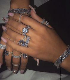 Dresses ⋆ best frugal deal & steals at inspo - women& jewelry and accessories - Dresses ⋆ best frugal deal & steals at inspo – - Cute Jewelry, Body Jewelry, Jewelry Crafts, Beaded Jewelry, Jewelry Accessories, Bling Jewelry, Look Hip Hop, Grunge Jewelry, Fashion Jewelry
