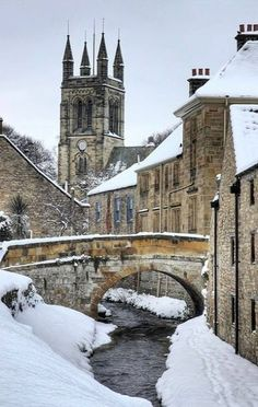 Helmsley Winter, North Yorkshire, England Photography by Martin Williams Yorkshire England, North Yorkshire, Yorkshire Dales, Cornwall England, Oh The Places You'll Go, Places To Travel, England And Scotland, English Countryside, Winter Scenes