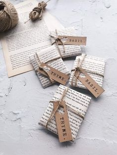 Check out these stunning Christmas gift wrapping ideas and get all of the Christmas wrapping ideas you need! #christmasgiftwrapping #christmaswrappingideas Unique Wedding Favors, Diy Wedding, Spring Wedding, Wedding Souvenir, Nautical Wedding, Seed Wedding Favors, Craft Wedding, Wedding Weekend, Wedding Decorations