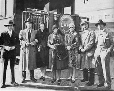 Harpo, Zeppo, Zeppo's wife Marion, Chico's wife Betty, Groucho's first wife Ruth, Groucho and Chico