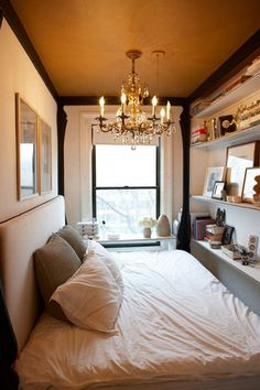 Yesssssss!! This is about the size of my new room in Astoria,..can't wait to decorate it like this. Just perfect!