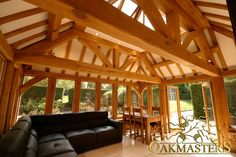 King post trusses in open ceiling with roof lantern - Oakmasters - Roofs and trusses