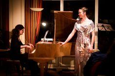 Salonière Maja Fluri (Sopran) und Judith Flury (Klavier) Judith, Berlin, Friends, Dresses, Fashion, Visual Arts, Piano, Amigos, Vestidos