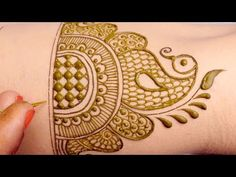 Easy Mehndi Design for Hands by Sonia Goyal - Kurti Blouse Round Mehndi Design, Full Hand Mehndi Designs, Legs Mehndi Design, Mehndi Designs For Girls, Mehndi Designs For Beginners, Mehndi Design Pictures, Mehndi Designs For Fingers, Mehndi Art Designs, Beautiful Mehndi Design