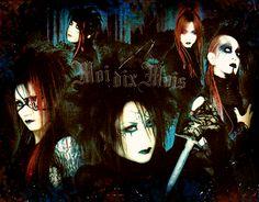 Moi dix mois  Guitar Mana Vocal Seth K Guitar & Voice  Bass Sugiya Drummer Hayato