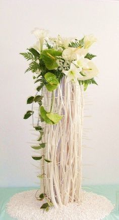 modern tall arrangement great for businesses, weddings, conferences, shows etc. Contemporary Flower Arrangements, Large Flower Arrangements, Ikebana Flower Arrangement, Ikebana Arrangements, Altar Flowers, Church Flowers, Deco Floral, Arte Floral, Flower Show