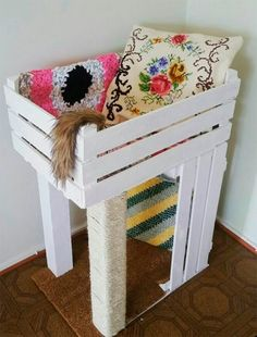 ♥ Cool DIY Cat Stuff ♥ DIY Pinspiration: Wooden crate cat bed and scratchin. - ♥ Cool DIY Cat Stuff ♥ DIY Pinspiration: Wooden crate cat bed and scratching post. No instruct -