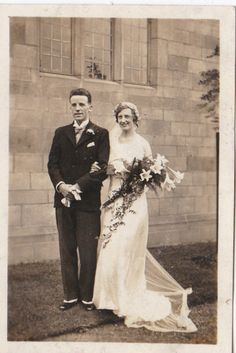 Vintage Photo Glamour Wedding Beautiful Woman Bride Groom Fashion Clothing Dress | eBay