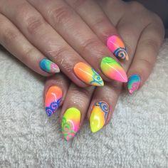 #CNDShellac #Lecente #Neons #handpainted #Jensnails #neonnails #brightnails