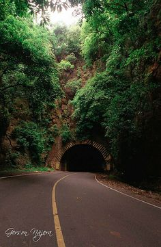 Tunel en la carretera del Litoral.