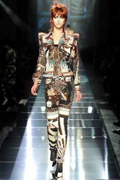 Jean Paul Gaultier - Spring/Summer 2011 Ready-To-Wear - PFW (Vogue.co.uk)