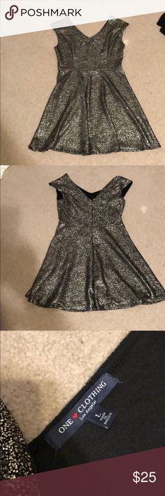 Black and gold sparkle dress Women's black and gold sparkle dress perfect for a night out!! Dresses