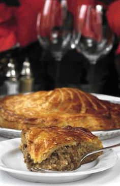 Hot on the trail of a decent tourtièreDecember pm Did You Eat, Mouth Watering Food, Ottawa, Meals, Dinners, Meat Pies, Yummy Food, Beef, Baking