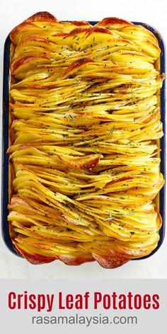 Crispy Leaf Potatoes - the BEST roasted potatoes you'll ever make! Crazy delicious sliced potatoes that taste like layers of potato chips. Make this for holidays or every day! Potato Sides, Potato Side Dishes, Vegetable Recipes, Vegetarian Recipes, Cooking Recipes, Side Dish Recipes, Dinner Recipes, Plats Healthy, Roasted Potatoes