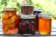 Homemade substitutes for grocery staples. Tons of great links to canning recipes, syrups, and cooking tips of cooking recipe Real Food Recipes, Healthy Recipes, Vegetarian Recipes, Healthy Food, Canned Food Storage, Home Canning, Canning Tips, Canning Recipes, Dose