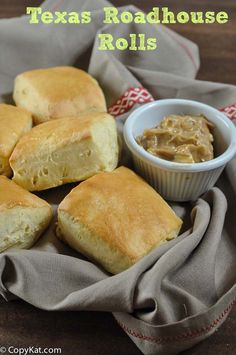 Make your own homemade Texas Roadhouse rolls with this recipe.   #copycat