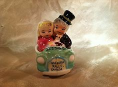 JUST MARRIED! VINTAGE SALT PEPPER SHAKERS STACKER - PY JAPAN - S&P LOVELY