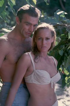 Dr No. was the first James Bond movie ever and starred 32 year old Sean Connery. 26 year old Ursula Andress played Honey Ryder. Age difference - 4 years.