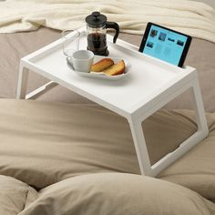 Foldable legs make the bed tray easy to store without taking up extra space. You can stand your tablet or book securely in the groove. Charging your tablet is simple, as the bed tray has a hole for the cable. Bed Tray Table, Desk Tray, Dining Table, Ikea Bed Table, Laptop Table For Bed, Garden Coffee Table, Portable Bed, Canapé Angle Convertible, Recycling Facility